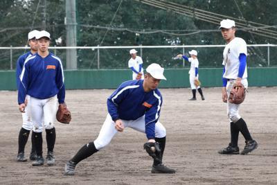 日本一に向けて守備練習に励む明豊ナイン