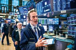 NYdダウは史上最大の下落と上昇を記録した(Bloomberg)