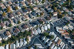 サンフランシスコの地価高騰が周辺地域にも波及している (Bloomberg)