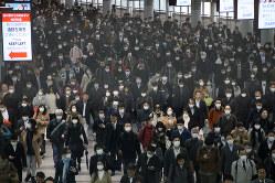 通勤時の品川駅=東京都港区で2020年3月4日、武市公孝撮影