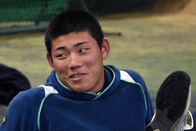 田中颯希投手(2年)