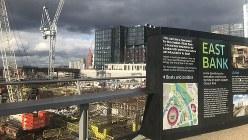 ロンドン五輪のメーン会場だった東ロンドンでは大学や芸術関連施設などの工事が進む=ロンドンで2020年2月23日、横山三加子撮影