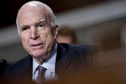 惜しまれながら脳腫瘍で死去(マケイン元上院議員)(Bloomberg)
