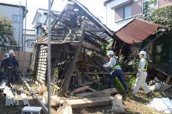 空き家対策特別措置法の行政代執行で取り壊される管理不全の空き家