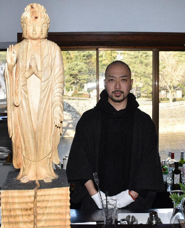 北陸ひと模様:彫刻家・仏師 長谷川琢士さん(36) - 毎日新聞