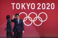 五輪が安倍政権の命取りになりつつある(東京五輪1年前イベントに登壇した安倍晋三首相)=2019年7月