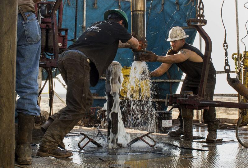 米国シェール企業の社債が不安視されている(Bloomberg)