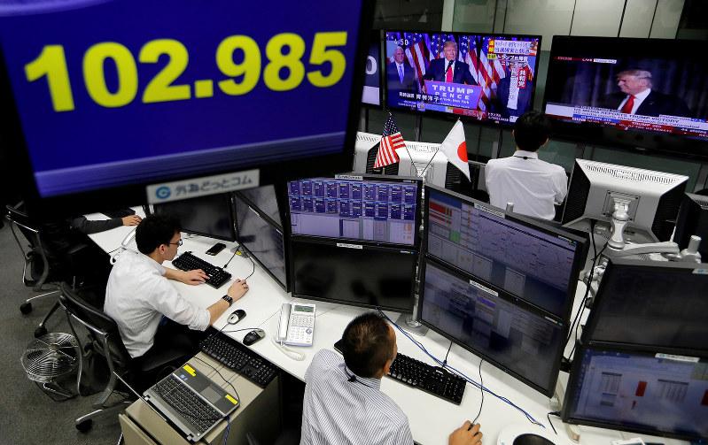 100円割れの可能性もある(Reuters)
