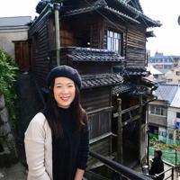 尾道ガウディハウスを買い取り、再生させた豊田雅子さん=広島県尾道市三軒家町で、渕脇直樹撮影