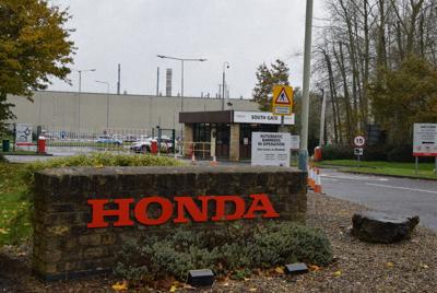 新型コロナウイルスの感染拡大で生産の一時停止が続くホンダのスウィンドン工場=英南部スウィンドンで、横山三加子撮影