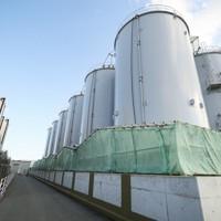 東京電力福島第1原発の汚染処理水を貯蔵するタンク=福島県大熊町の福島第1原発で2020年1月21日、吉田航太撮影