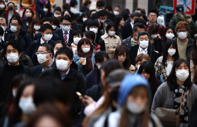 新型コロナウイルスの感染拡大は企業活動にも影響を与えている=東京都新宿区で2020年3月30日、喜屋武真之介撮影
