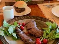 シカ肉料理=C.W.ニコル・アファンの森財団提供