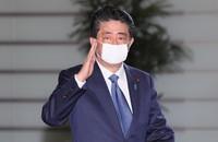 首相官邸に入る安倍晋三首相=2020年4月6日、玉城達郎撮影