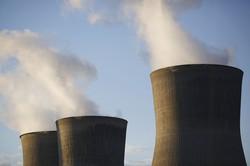 石炭火力発電とも共存しうる(Bloomberg)
