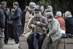 高齢化が進み、年金財源の強化は課題だった(Bloomberg)
