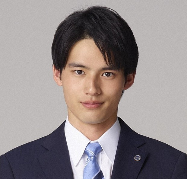 赤坂電視台:岡田健史 与えられた役の道を全力で - 毎日新聞