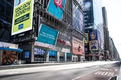 人影もまばらなニューヨーク市街。雇用は急速に悪化している