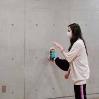 衣装をつけて行われた「幸せな孤独な薔薇」の最後のけいこ=東京都墨田区で2020年4月1日、米田堅持撮影