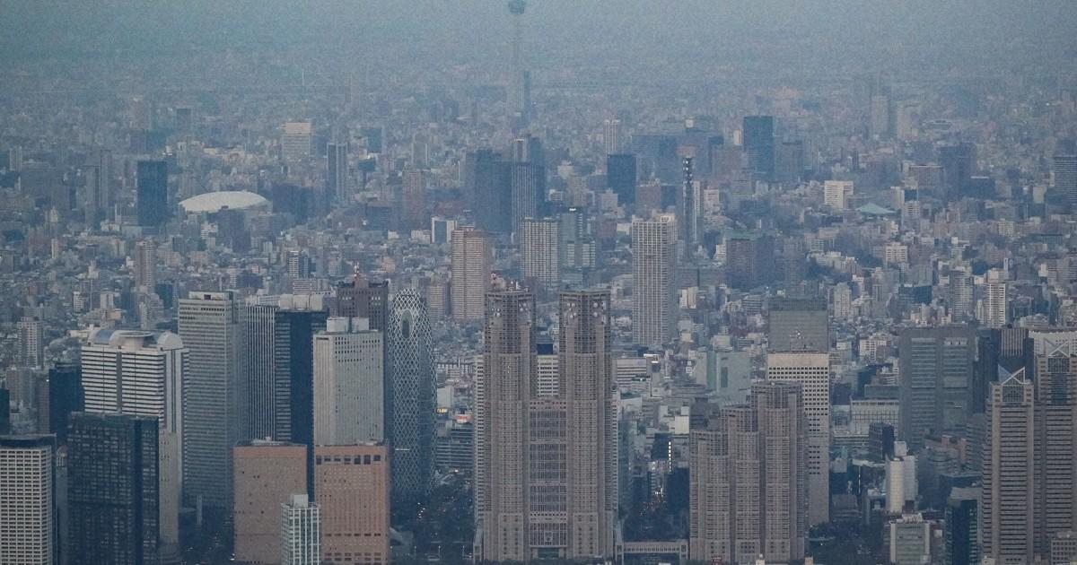 東京で新規感染者の減少鈍化 都関係者「宣言解除できるのか」