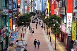 新型コロナウイルスの感染拡大を受けた緊急事態宣言が発令され、人通りが少ない新宿の繁華街=東京都新宿区で2020年4月8日午後5時56分、幾島健太郎撮影