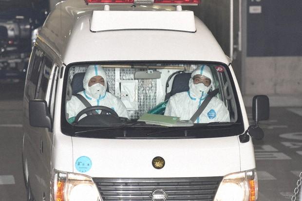 新型コロナ 犯罪も感染もブロック 移送、検視に防護服 大阪府警 - 毎日新聞
