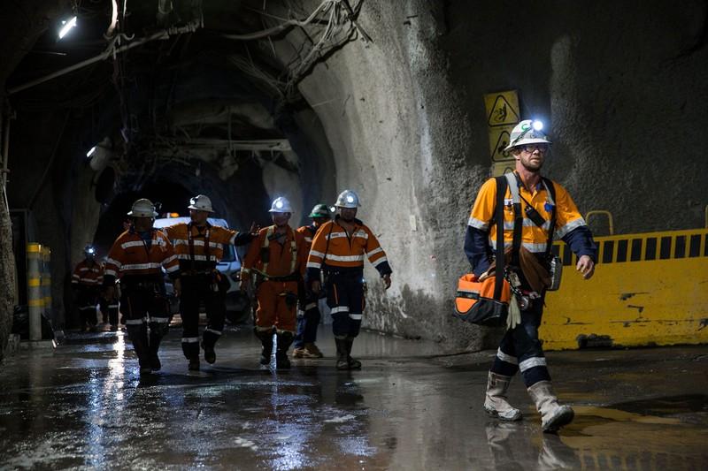 採掘現場での感染拡大防止のため、銅は供給量も減っている(Bloomberg)