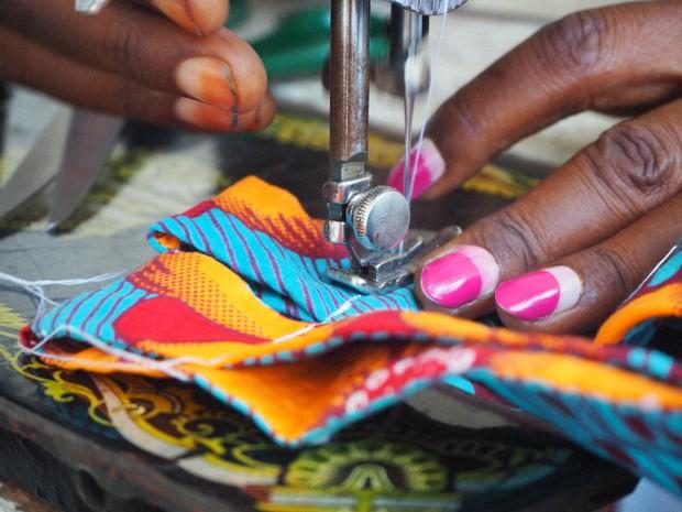 コンゴ民主共和国の縫製師=太田遥月さん撮影