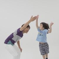 親子体操「タッチ&タッチ」=「親子でからだあそび」より