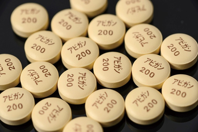 抗インフルエンザ薬「アビガン」は有効性が示唆されている (Bloomberg)