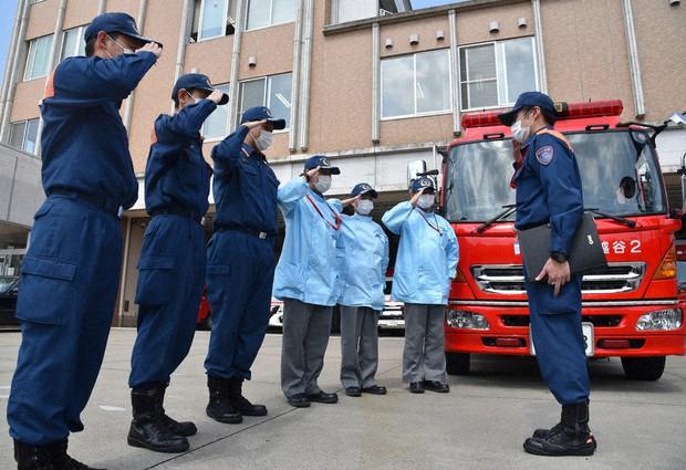 コロナ用心」外出控えよう 越谷市消防本部が巡回 /埼玉 - 毎日新聞
