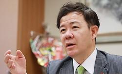 田畑裕明氏=岡本同世撮影