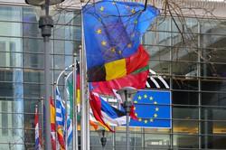 統合の拡大・深化か後退かの岐路に立たされている(Bloomberg)