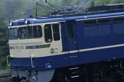 かつてブルートレインを引き、鉄道誌のグラビアを飾ったこのEF65 501はJR東日本が保存しており、現在唯一稼働するP形だ=群馬県の上越線・渋川-敷島間で2008年4月24日、金盛正樹撮影(イカロス出版「jトレイン」から)