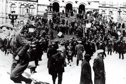 1931年3月、ニューヨーク州庁舎に押し掛けた飢餓行進の一隊