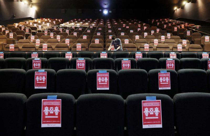 館 コロナ リスク 映画 感染 劇場はOKなのに映画館はNG。東京都の休業要請に業界団体が抗議(声明全文)