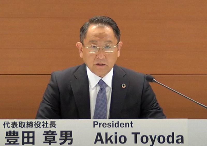 ライブ中継されたトヨタ自動車の2020年3月期決算説明会に出席した豊田章男社長=2020年5月12日、ユーチューブのトヨタ自動車公式チャンネルから