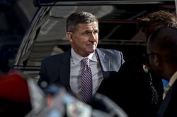 訴追取り下げ後、トランプ氏は「オバマ政権の標的にされた」とフリン氏を擁護(Bloomberg)