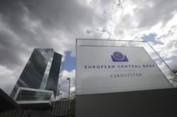 ECBが無制限に資金を投入することが難しくなるかもしれない(Bloomberg)