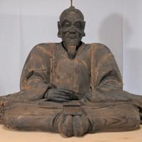 国内最大の木造豊臣秀吉坐像=大阪市旭区大宮3の大宮神社で2020年5月、矢追健介撮影