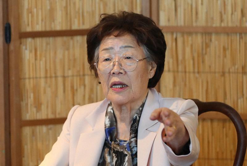 2020年5月7日、大邱市内で開かれた記者会見で正義連の不透明な資金運営を批判する李容洙(イ・ヨンス)さん=朝鮮日報提供