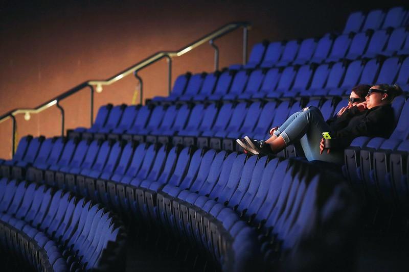 映画事業は、すでに大きな影響が出ている (Bloomberg)