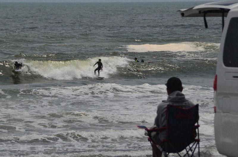 自粛 サーファー サーフィン自粛ムード強まる、TSNアンケート途中経過