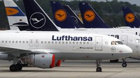 Aircrafts of the German airline Lufthansa are parked at the airport in Munich, Germany, on May 26, 2020. Germany approved a 9 billion-euro ($9.8 billion) aid package for stricken airline Lufthansa to keep a major employer going through the turbulence of the coronavirus pandemic. (AP Photo/Matthias Schrader)
