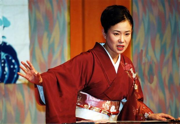 高座に上がった神田さん。「私はただ、やりたいことをやってきただけ」 神田香織さん提供