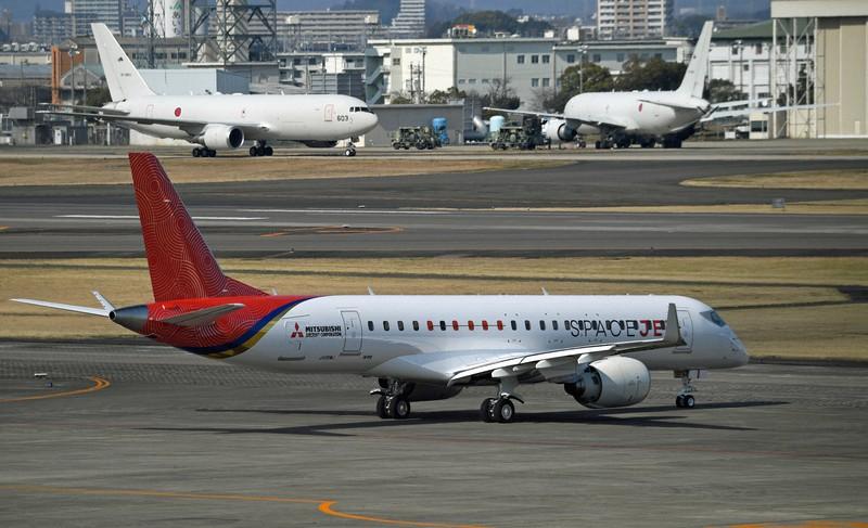 三菱航空機のスペースジェット=名古屋空港で2020年3月18日、兵藤公治撮影