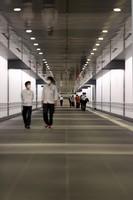 An underground passage connecting Tokyo Metro's Toranomon Hills Station on the Hibiya Line and Toranomon Station on the Ginza Line is seen in the capital's Minato Ward on June 2, 2020. (Mainichi/Masahiro Ogawa)