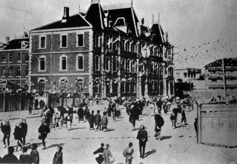 「一丁ロンドン」と言われた東京・丸の内の三菱レンガ街=1894年