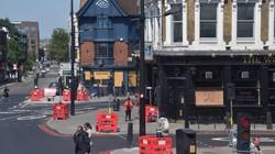 英国のパブや飲食店は休業が続いている=ロンドンで2020年5月9日、横山三加子撮影