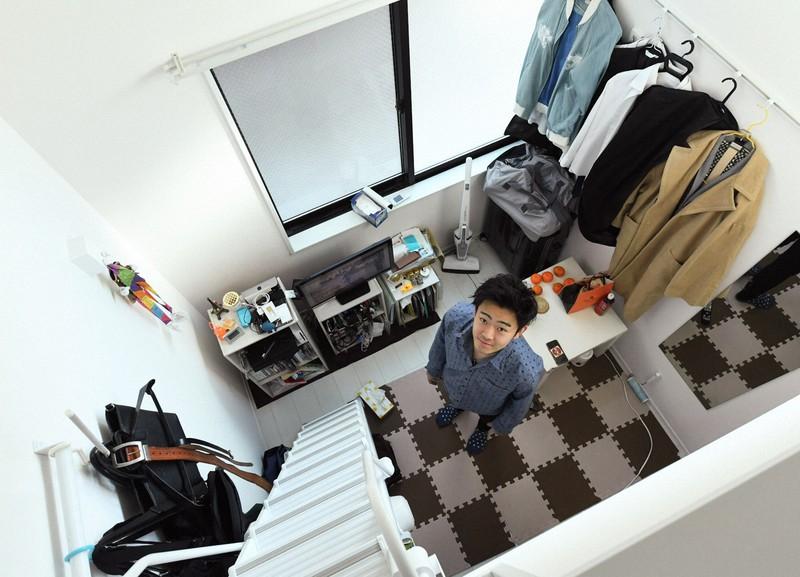 千葉市で育ち、都内の狭小物件に引っ越した片桐昂希さん=東京都世田谷区で2018年12月18日、根岸基弘撮影